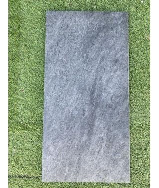 Margelle piscine noir Mantle 29x60 demi rond