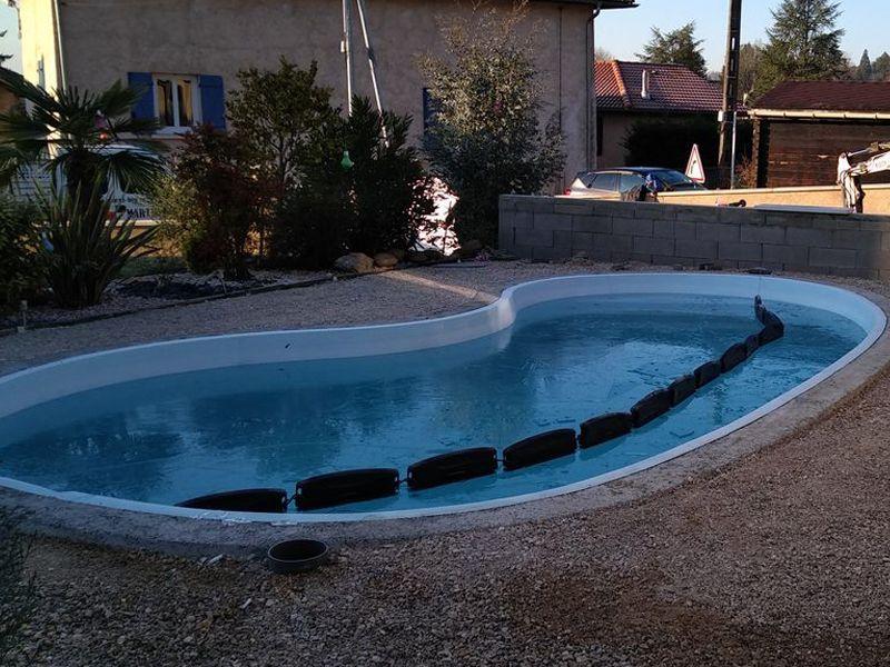 image ain carrelages piscine forme haricot avant